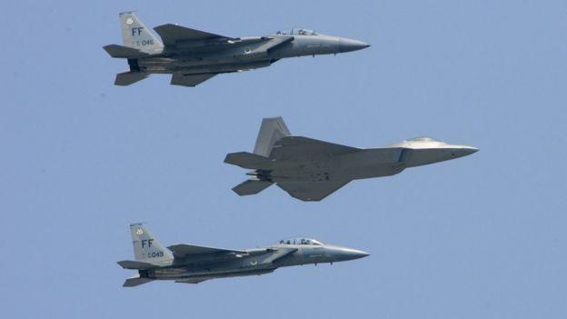 F-22 и F-15