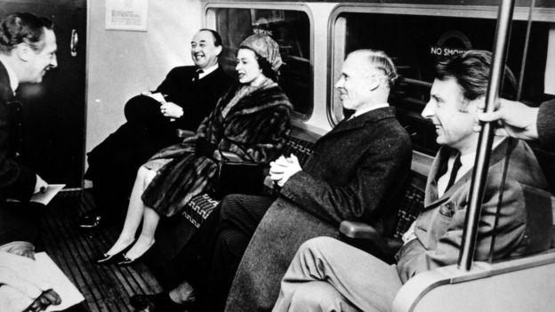 Queen Elizabeth II opening the Victoria Line.