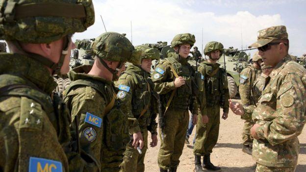 Rus hərbiçiləri Ermənistanda