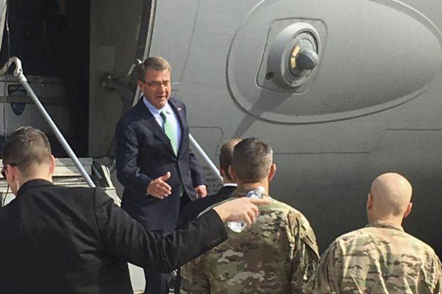 US Secretary of Defense Ash Carter arrives in Baghdad, 22 October ....... truesnewsblog.com