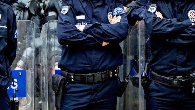 Operasyon İstanbul Kaçakçılık Şube Müdürlüğü ekipleri tarafından yürütülüyor.