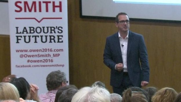 Owen Smith giving a speech at Nottingham University