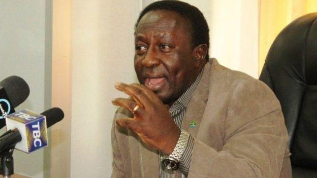 Dkt. Harrison George Mwakyembe awali alikuwa waziri wa sheria sasa ni waziri wa habari