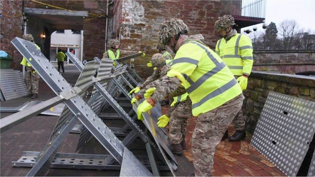 Soldiers preparing flood defences on 25 December