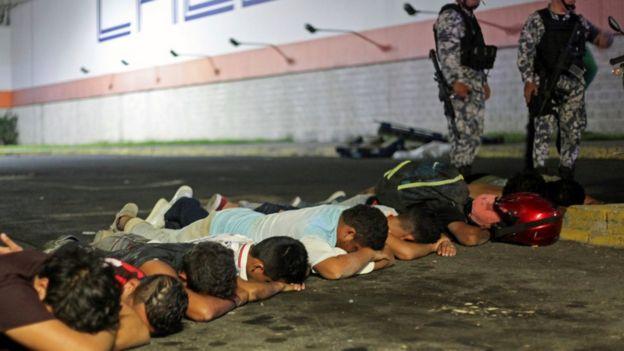 cierre-negocios-protestas-detenidos-por-gasolinazo-mexico-01