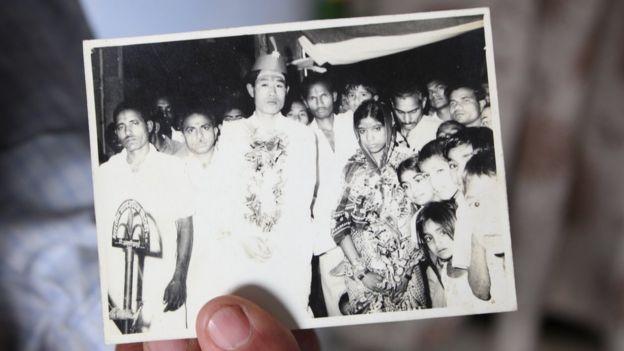 1975年,王琪跟一位名叫Sushila的印度女子结婚。他说,那桩婚事是