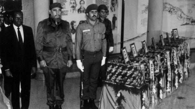 Fidel participa de solenidade em homenagem a soldados cubanos mortos na África