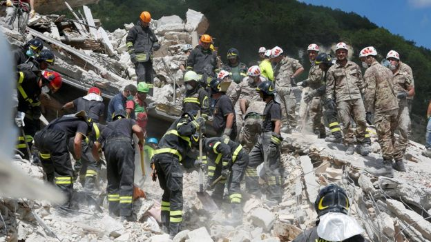 Rescuers work following an earthquake at Pescara del Tronto, central Italy (August 24, 2016)