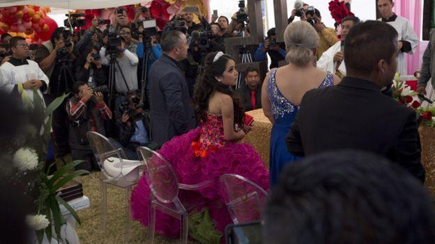La prensa sigue los eventos de la fiesta de Rubí