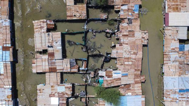 Vista aérea de las inundaciones en Perú