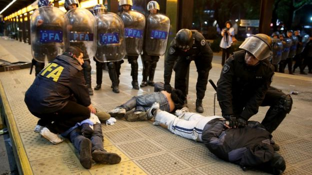 Operativo policiaco en Buenos Aires