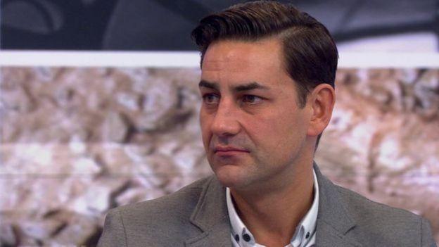 Andy Woodward em entrevista à BBC
