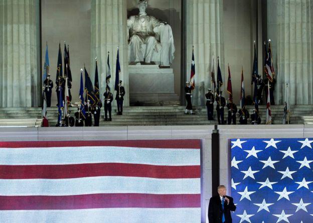 Trump en el Monumento a Lincoln