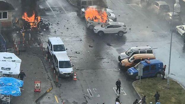 انفجار سيارة مفخخه بأزمير