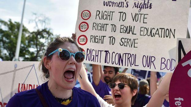Mujeres protestan por la despenalización del aborto.