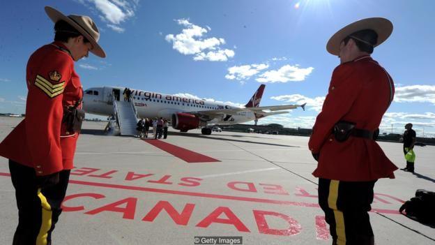 Số người tìm vé một chiều từ Mỹ đi Canada tăng hậu bầu cử