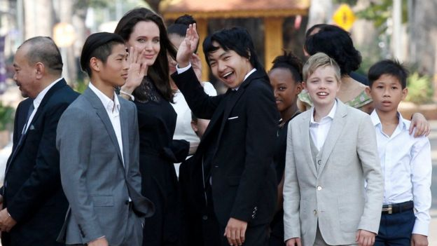 9 US director-actress Angelina Jolie (C) and her adopted children stand as they visit Cambodian King Norodon Sihamoni at the Royal Palace in Siem Reap province, Cambodia, 18 February 2017