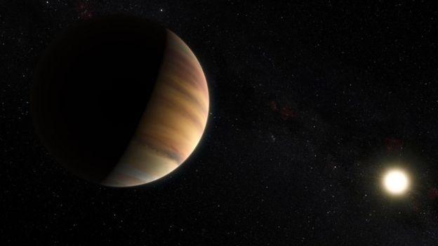 O 51 Peg b é uma grande bola de gás como Júpiter, mas é 50% maior