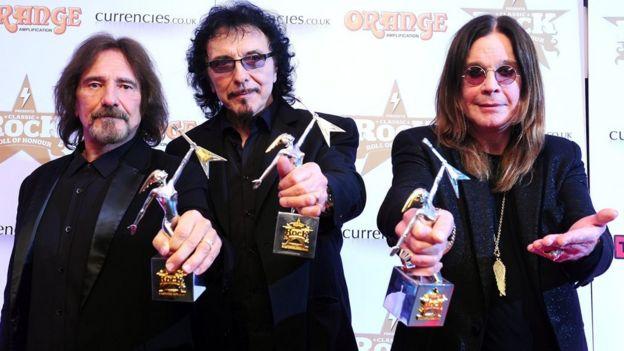El bajista Geezer Butler, el guitarrista Tommy Iommi y Ozzy Osbourne
