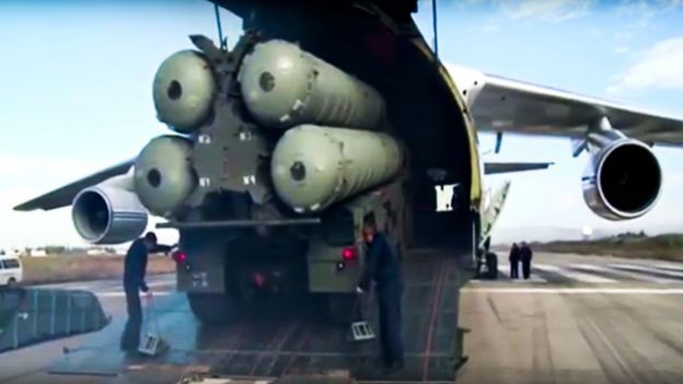 Russian S-400 air defence missile systems at Hemeimeem air base in Syria on 27 November 2015