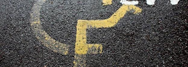 Disabled parking bay symbol