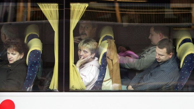 Polish migrants on bus leaving London, 20 May 09