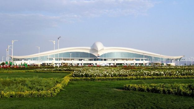 El curioso aeropuerto en forma de ave que fue inaugurado en Turkmenist�n