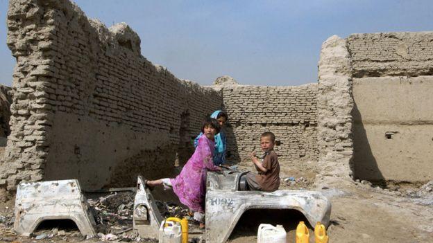 Niñas jugando en Afganistán