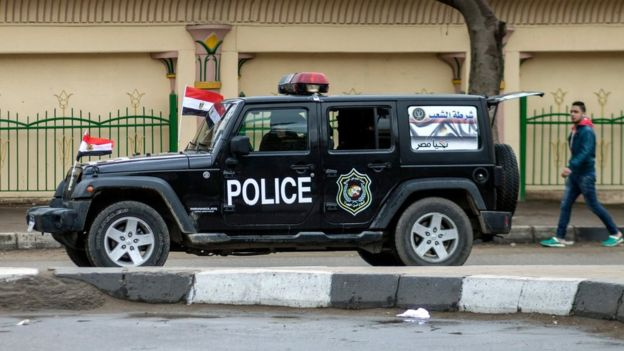 Police vehicle in Cairo (25 January 2016)
