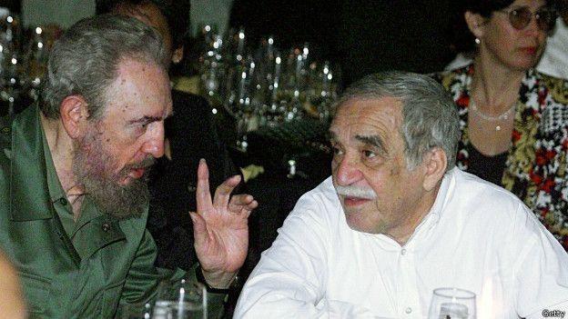Fidel e García Marquez em solenidade