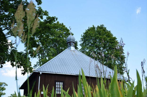 Keturiasdesimt Totoriu mosque