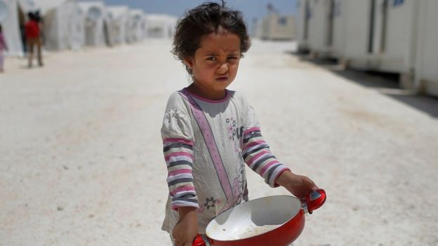 Menina síria em campo de refugiados na Turquia