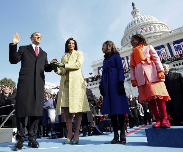 Malia and Sasha at Barack Obama's inauguration ceremony