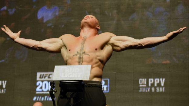 Brock Lesnar pesa UFC 200
