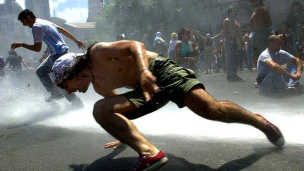 Represión en 2001 en Argentina