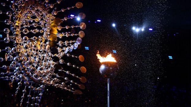 Olimpiyat ateşi söndürüldü