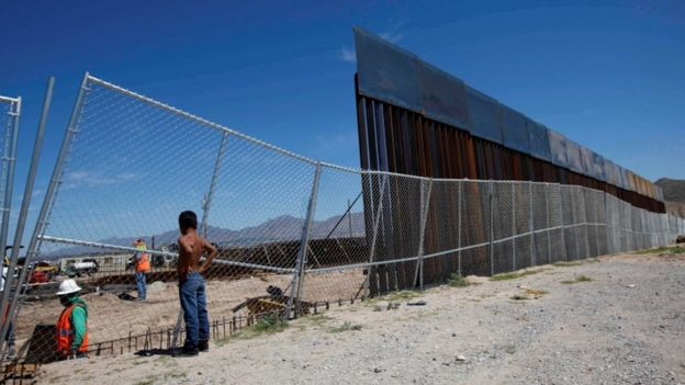 Valla en la frontera de México y Estados Unidos