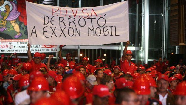 Manifestación de trabajadores de PDVSA en 2008 contra Exxon Mobil.