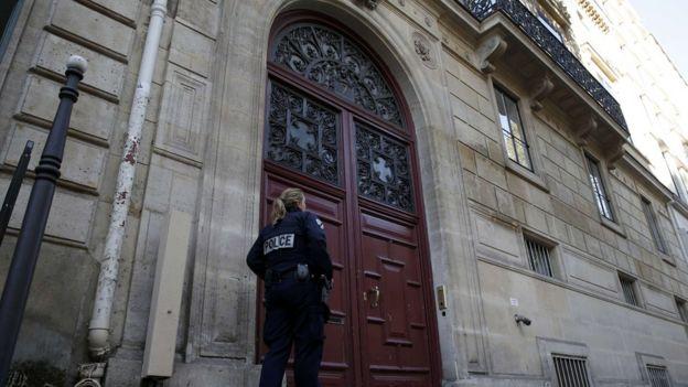 Kardashian aliibiwa akiwa Rue Tronchet, Paris