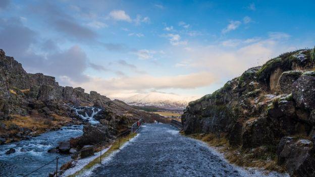 Las dos placas tectónicas en Islandia