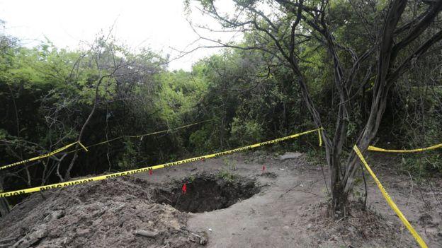 Búsqueda de desaparecidos en fosas comunes