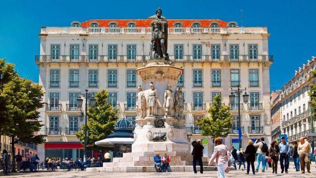 Plaza de Camoes