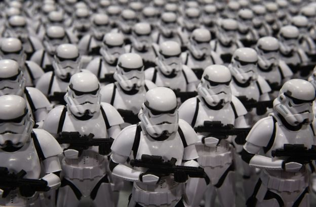 Dunner's: Join the Army: Become an Imperial Stormtrooper!