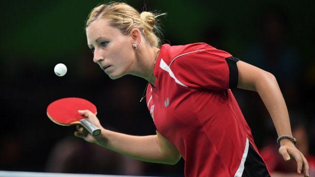 La española Galia Dvorak en un partido de tenis de mesa