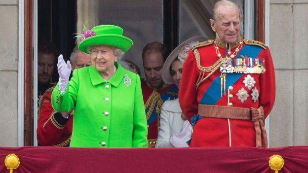 Королева Елизавета II уехала на рождественские каникулы