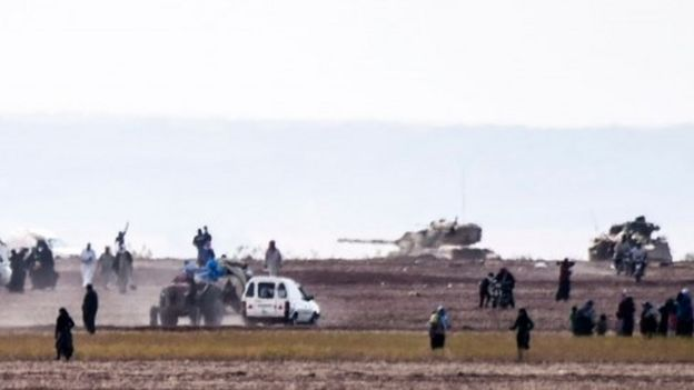 Syrian people fleeing clashes, as tanks advance, 3 September 2016