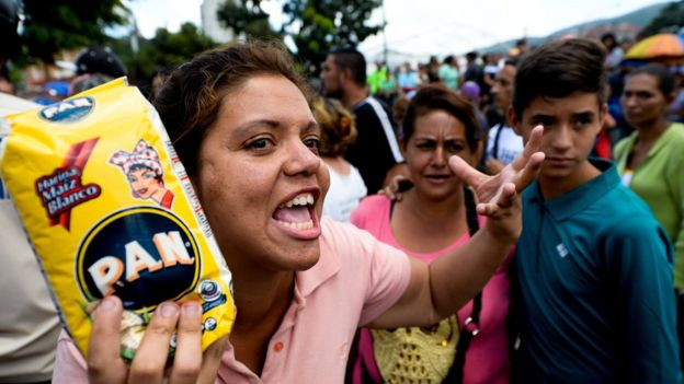 Protesta por falta de alimentos en Venezuela.