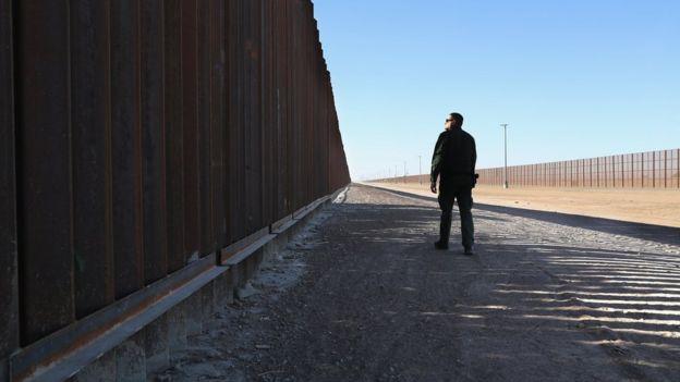 Propostas de Trump quanto a questões migratórias incluem muro na fronteira com o México