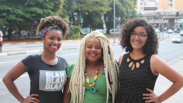 Laudicéia, Evelyn e Carla, do grupo Discipulado Justiça e Reconciliação