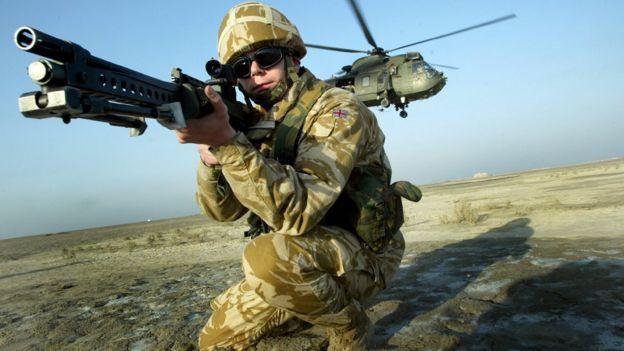 عسكرى بريطانى لانكستر.